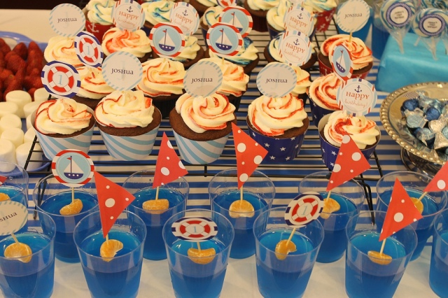 Cupcakes and Sailboat Jello (Image by Kaho from Chuzai Living)
