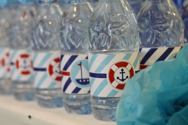 Water Bottles (Image by Kaho from Chuzai Living)