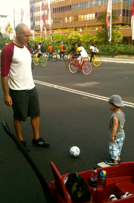 Styl playing with his daddy on Car-Free Sunday