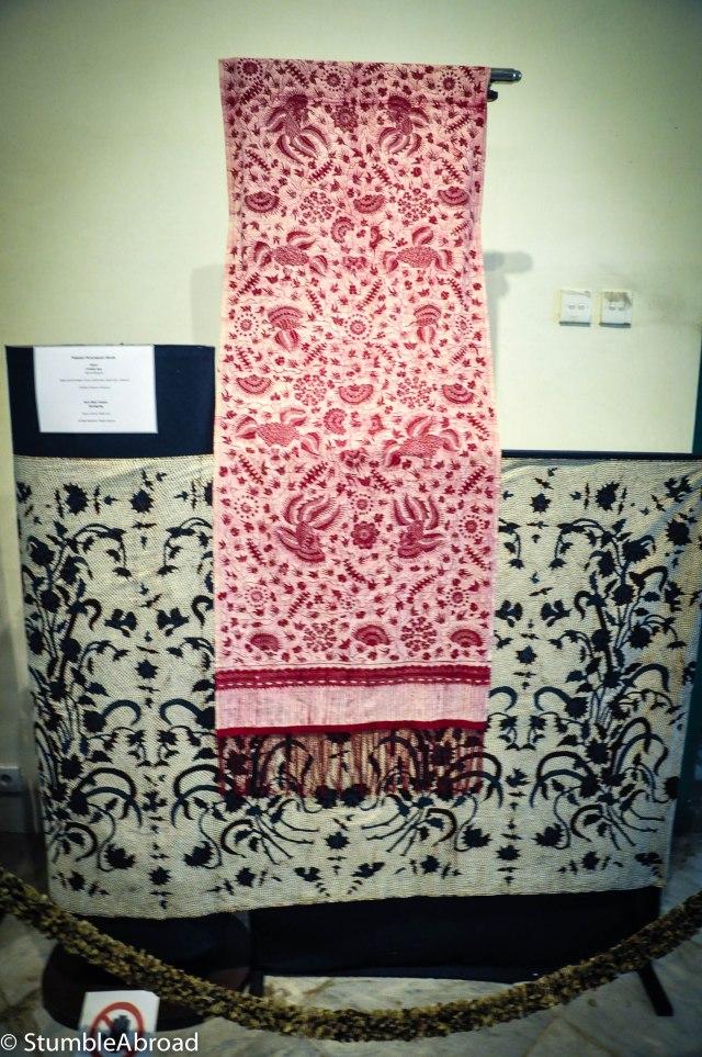 More batik