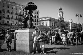 The famous Oso y el Madroño statue in Puerta del Sol