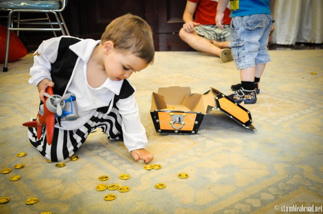 Collecting gold doubloons