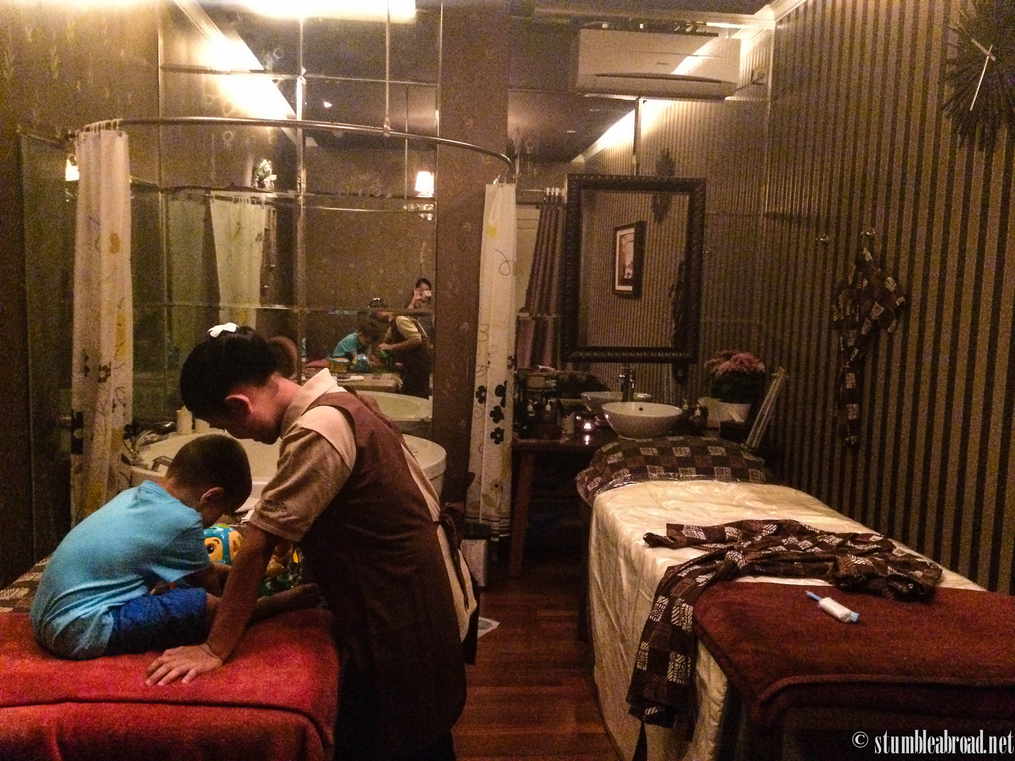 Review mom n jo baby and mommy spa stumble abroad for 16 image the family salon