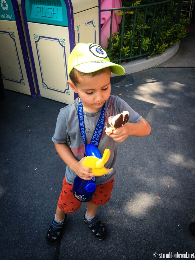 Ice-cream, hat, and a fan. This guys is pretty cool.